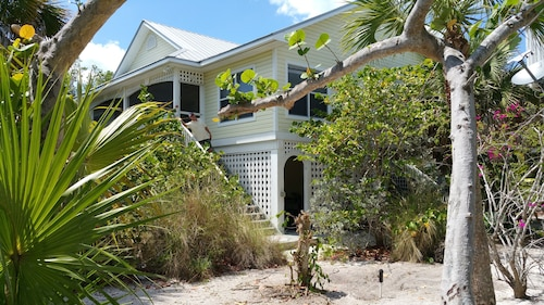 Island Oasis/hidden Beach House-private Pool July Spec.-1 Night Free 7/6 or 7/13