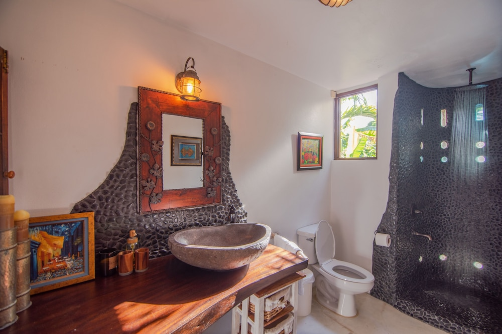 Bathroom, Luxury Ocean Front Villa w/ Private Pool & Beach Cove Discounts 3&4 Room Rates