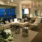 Supreme Highrise Loft Next To The Beach And City With Amazing Views!