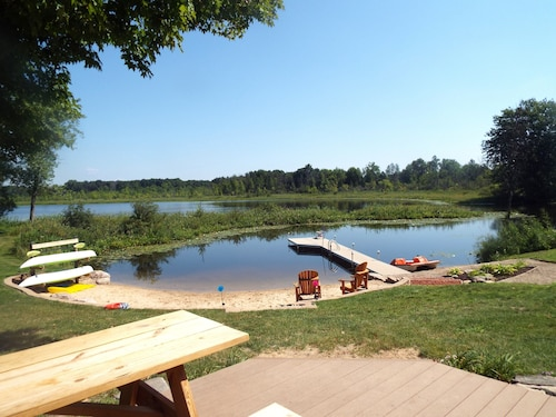 Mann Lake Cottage, Year Round, Pet Friendly, Sleeps 14, Private Relaxing, Groups