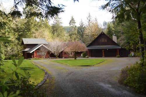 Two Beautiful Log Cabins Alongside The Sol Duc River