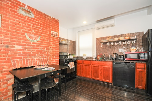 Great Place to stay Historic Antique Row 1 Bedroom near Philadelphia