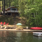 Lakefront Chalet in the White Mountains 3 Bedrooms-sleeps 6 NH. License # 044583