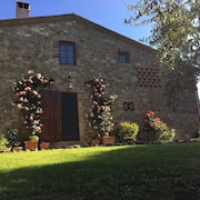 Enchanting Private Villa in Chianti Rolling Hills, Pool, Views. Special Offer!
