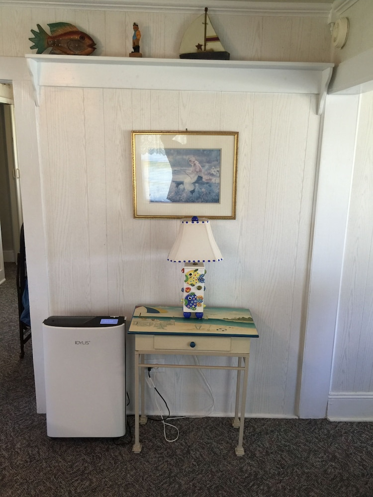 Room, Inexpensive Little Bungalow On Harkers Island
