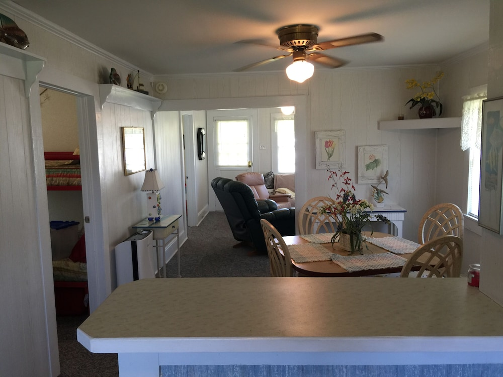 Private Kitchen, Inexpensive Little Bungalow On Harkers Island