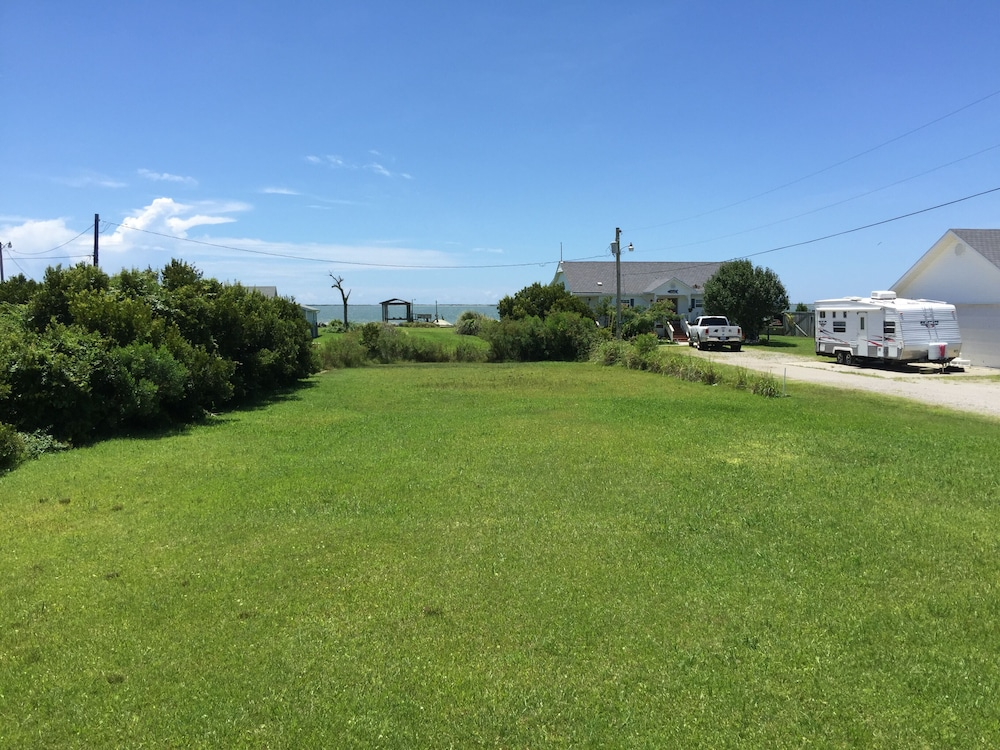 Property Grounds, Inexpensive Little Bungalow On Harkers Island