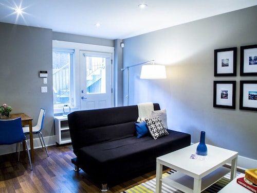 Check Expedia for Availability of Airy 1BR in Dunbar-southlands