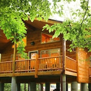 Helen Riverside Cabin-chattahoochee River-walk to Town
