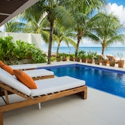 Far From Ordinary...luxurious Villa On White Sandy Beach With Infinity Pool!