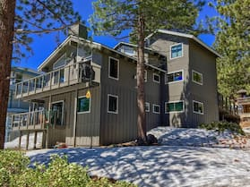 Lake Tahoe Views! 3 Level Home w/ Private Hot Tub & Pool Table! Dog Friendly