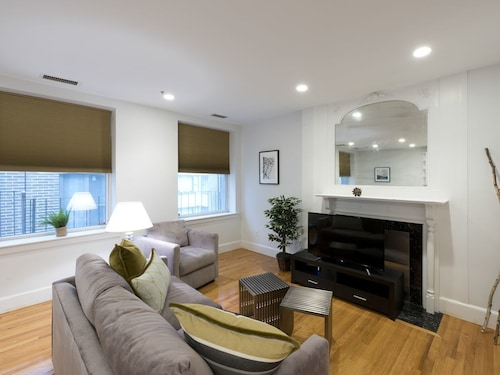 Great Place to stay Bright 1BR in Theater District by Sonder near Boston