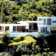 Elegant Hill-top Refuge in Las Terrenas,, Housekeeper Included