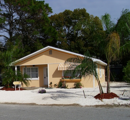 Excellent Best Tybee Island Cottages For 2019 Find Cheap 52 Cottage Home Interior And Landscaping Eliaenasavecom