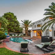 Luxury Modern Private Oasis-1 Mile TO LAS Vegas Strip