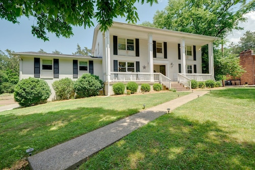 Highly Rated, Spacious, Beautiful Belle Meade West Nashville Home! See Reviews!