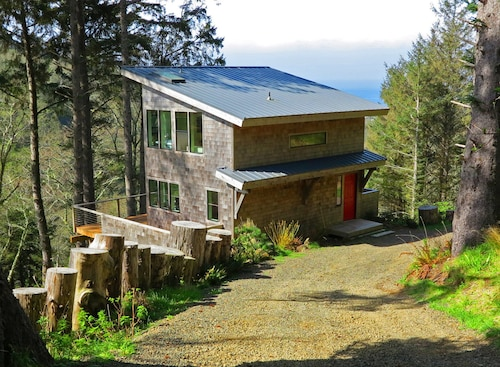 Green Flash Cabin, Oregon Coast Heaven! Featured in Sunset Magazine