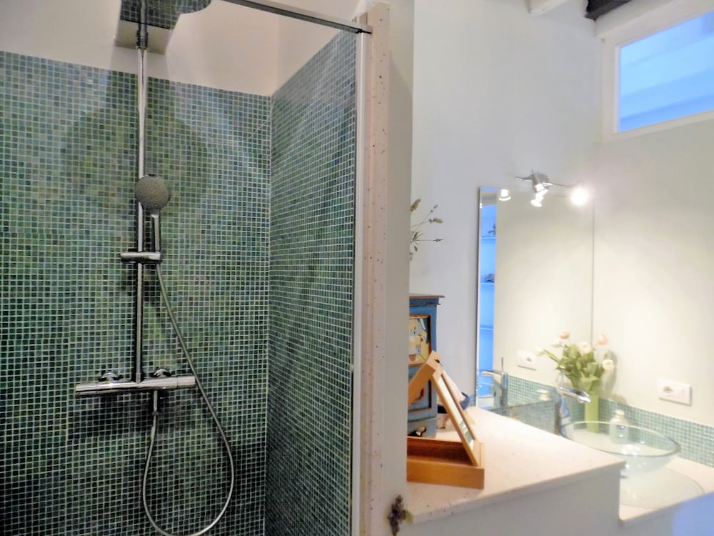 Bathroom, Wonderful House With Private Garden Immersed in the Park of Portofino