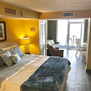 Island Time Honeymoon Suite Direct Oceanfront Balcony King Tile Floors Thru-out!