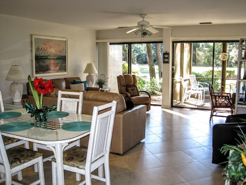 147 Reviews! Christmas WK Open, SEA Pines! Spacious,immaculate,inviting,private!