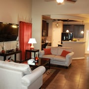 Rent 3 Days get 1 Free Near Lackland, Sea World, Six Flags, Shopping Malls Etc.