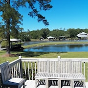 The River Getaway 3300 Sq Ft on 1.4 Acres - 6.9 Miles From The Beach