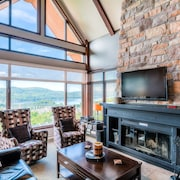 Altitude - Tremblant Luxurious Ski-in Ski-out Condo - Breathtaking Views