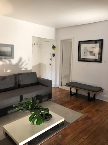 Beautiful 2 Br APT Located in the Coolest Neighborhood in NYC 'meatpacking '