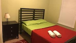 3 makuuhuonetta, silitysrauta/-lauta, ilmainen Wi-Fi, vuodevaatteet