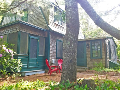 Historic Summer Cottage on Pristine Long Pond, Newly Renovated Kitchen