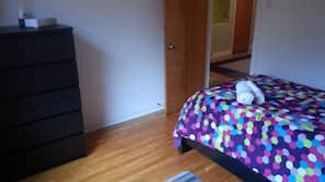 3 bedrooms, in-room safe, iron/ironing board, free WiFi