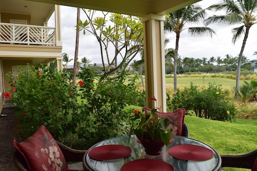 Big Island Paradise/walk to Shops and Beach/infinity Pool/mtn Views/family fun