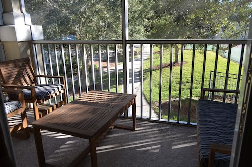 Steps to Disney Luxury Condo, Gated Resort, Unbeatable Location,free Wifi & More