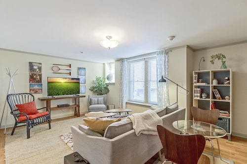 Check Expedia for Availability of 1 Bedroom With Modern Decor In Classy Midtown Address