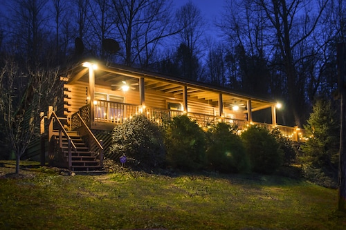 The Blue Ridge Cabin at Stoneledge... Your Perfect Mountain Getaway Awaits!