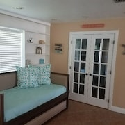Beautiful 3BR on Canal 2 Min. From Gulf Access, Large Dock, Pool, Hot Tub Etc