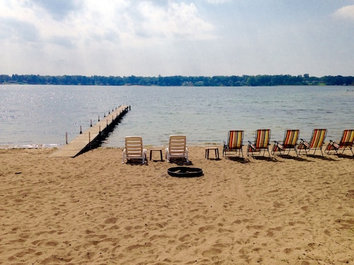 Deal-sept 27-oct 1 Avail, 100 Feet Large Private Beach/rural/spacious!/kayaks!