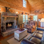 Four Secluded Acres - Authentic Hand-hewn Log Cabin - South Fork of New River