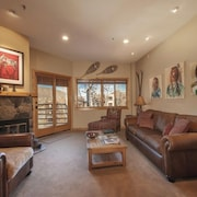Perfectly Located Condo In Deer Valley, At The Base Of Snow Park Lodge!