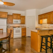 2 Bed 2 Bath With Garage and Fully Furnished