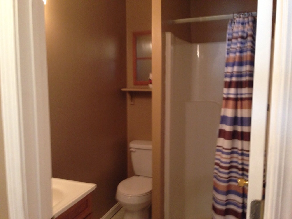 Bathroom, A Family- Friendly Rental Located To Many Tourist Attractions!