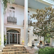 Historic Lower Garden District Mansion w Heated Swimming Pool & Gardens
