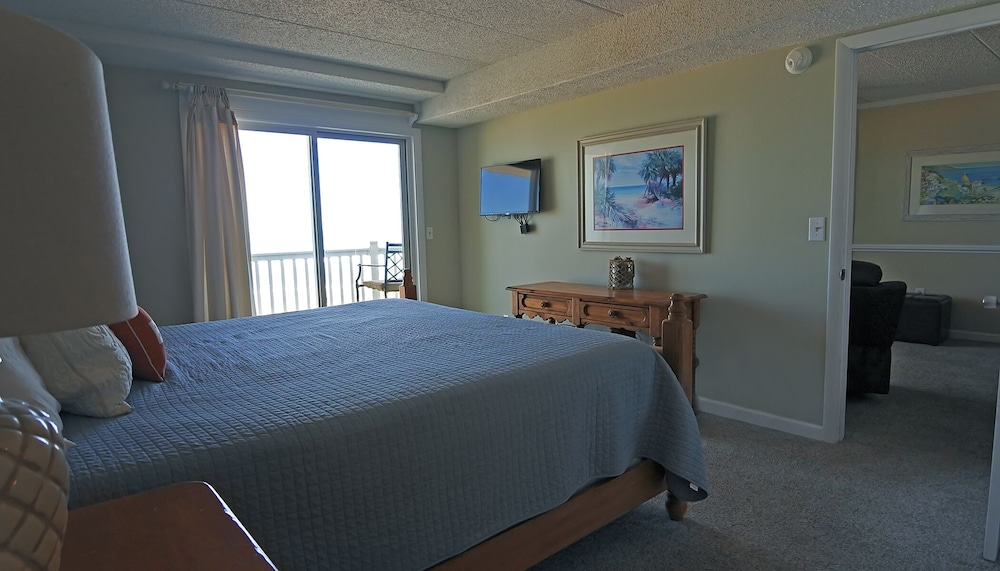 Room, WE ARE OPEN! Pierview 103 - Great Views!! Updated 2 BR Oceanfront Condo