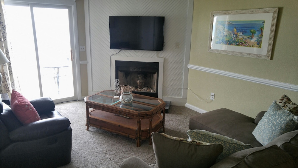 Living Room, WE ARE OPEN! Pierview 103 - Great Views!! Updated 2 BR Oceanfront Condo