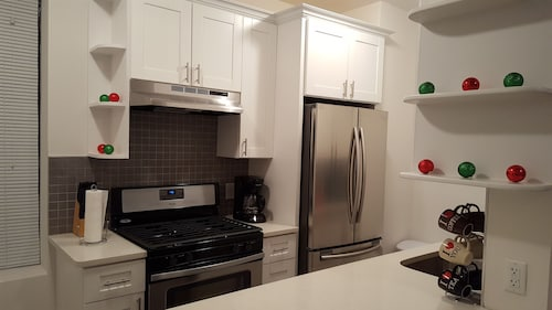 NYC - Modern 1 Bed. - 10 Min. to Manhattan!