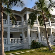 New Luxury Villa, Prime Location, At The Best Pink Sand Beach on the Island!