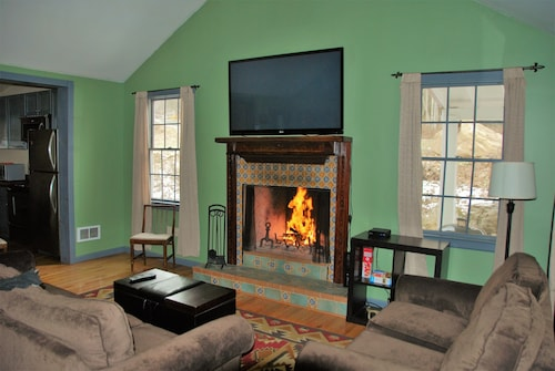 The Lehigh Cottage In Historic Stoddartsville Cable Wifi Book Now For