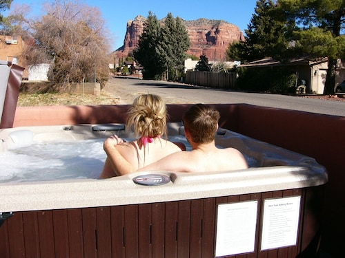 Bell Rock Vista - Hot Tub, Large Patio, Great Views; Golf Discounts