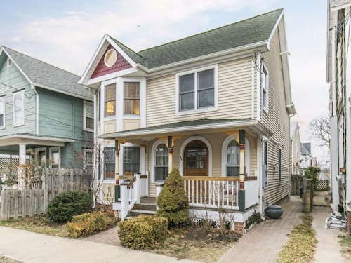 Check Expedia for Availability of Beautiful Fully Renovated House in Ocean Grove