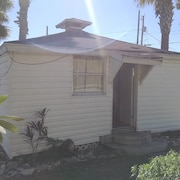 Cozy Efficiency Cottage in Titusville. Close to the Indian River
